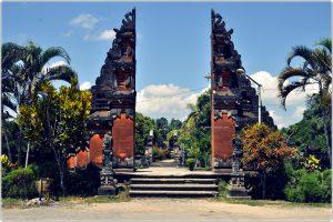 Lingsar Temple