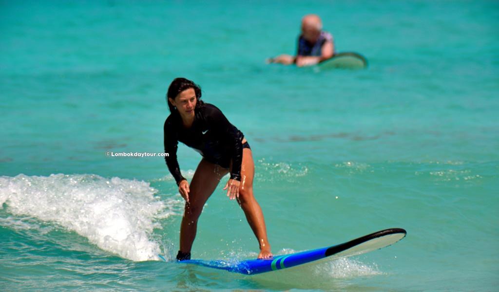 Surfing Lessons Tour